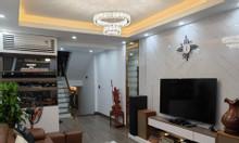 Chính chủ cần bán nhà mới ở ngay Thái Thịnh 43m2, 5 tầng, MT 4.3m 3.7 tỷ