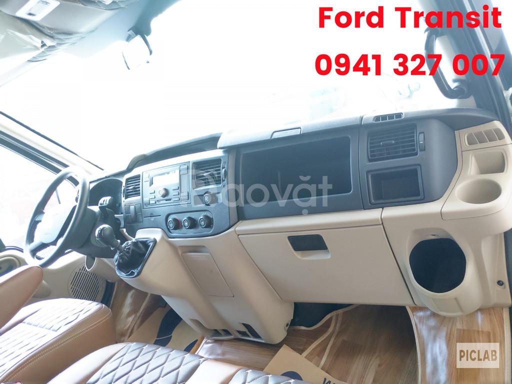 Ford Transit giá tốt phân khúc, nay còn KM khủng