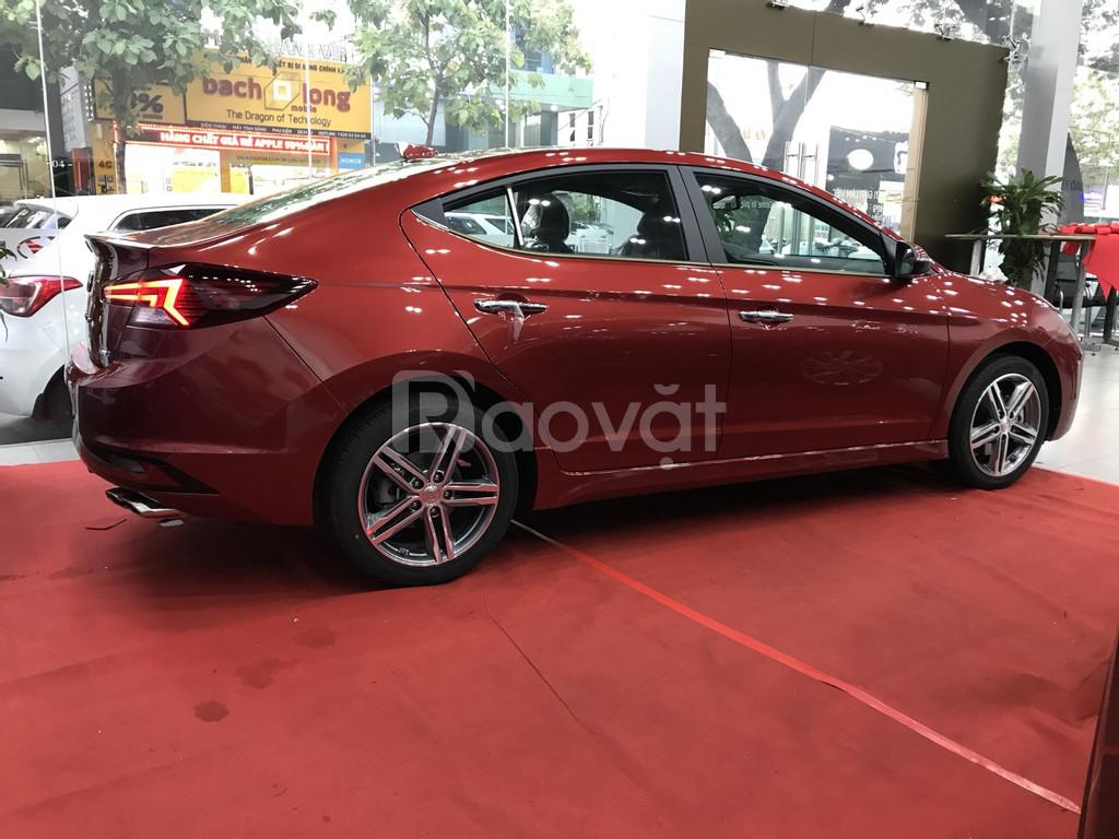 Hyundai Elantra 2019 giao ngay - Trả góp nhanh gọn