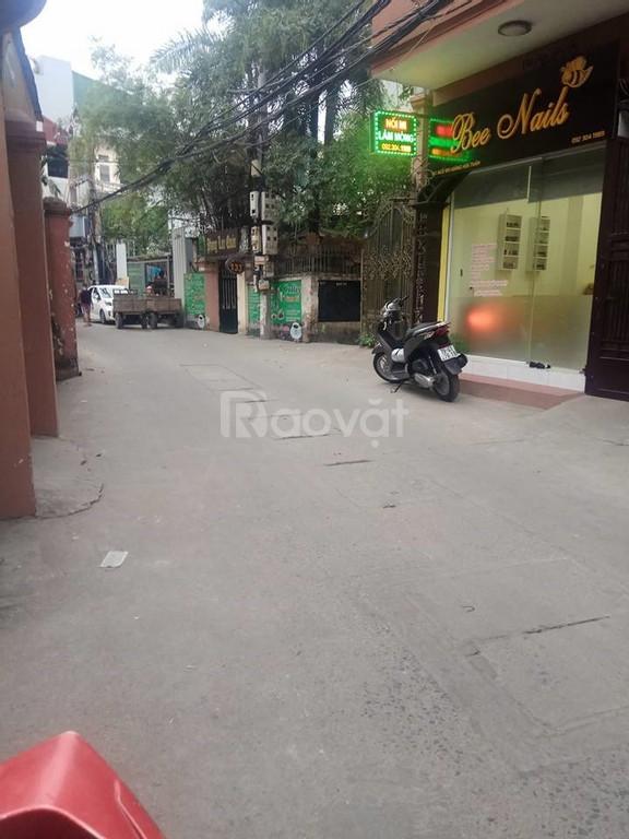 Nhà phường Khương Thượng, đường cực rộng, DT 60m2, MT 4,75m, giá 6,6 tỷ