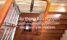Bán cầu thang inox tay vịn gỗ lim tại Đại Mỗ