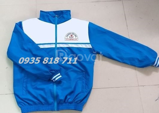 Xưởng gia công áo gió áo khoac giá rẻ HCM