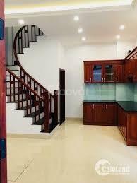 Nhà giá rẻ cho các gia đình trẻ, 5 tầng x 35m, giá 2.4 tỷ