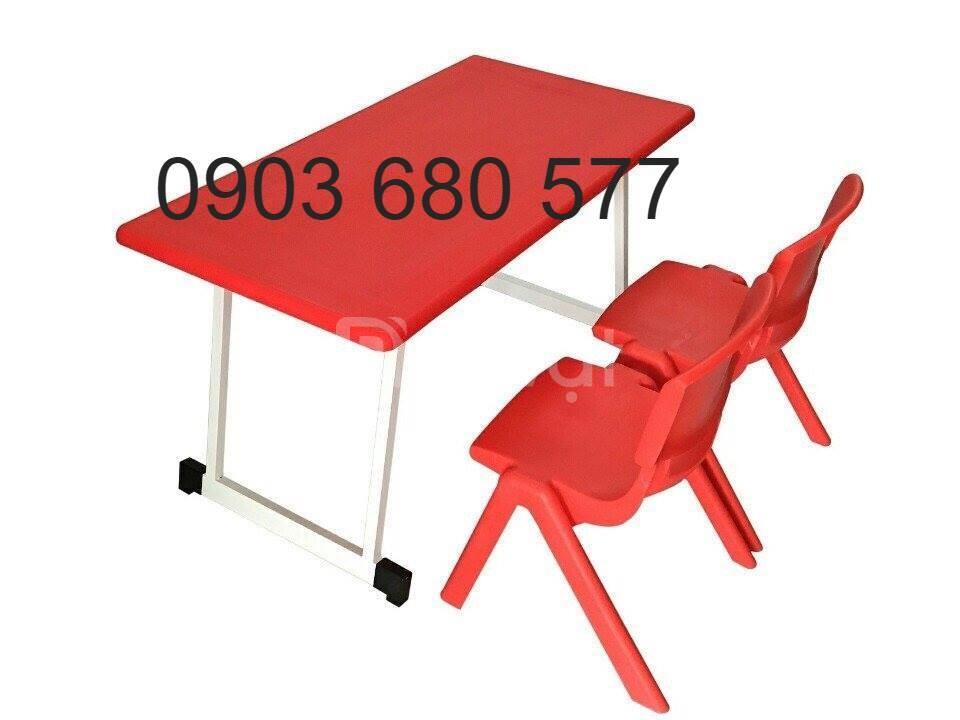 Bàn ghế nhựa mầm non giá rẻ, chất lượng, an toàn cho bé