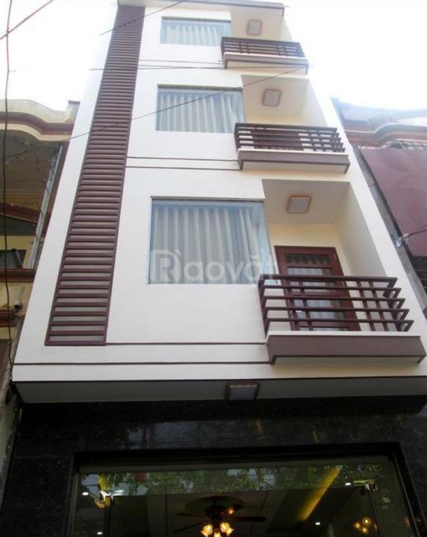 Bán nhà riêng, lô vip, sát mặt phố Yên Lãng, diện tích 52/60m2.