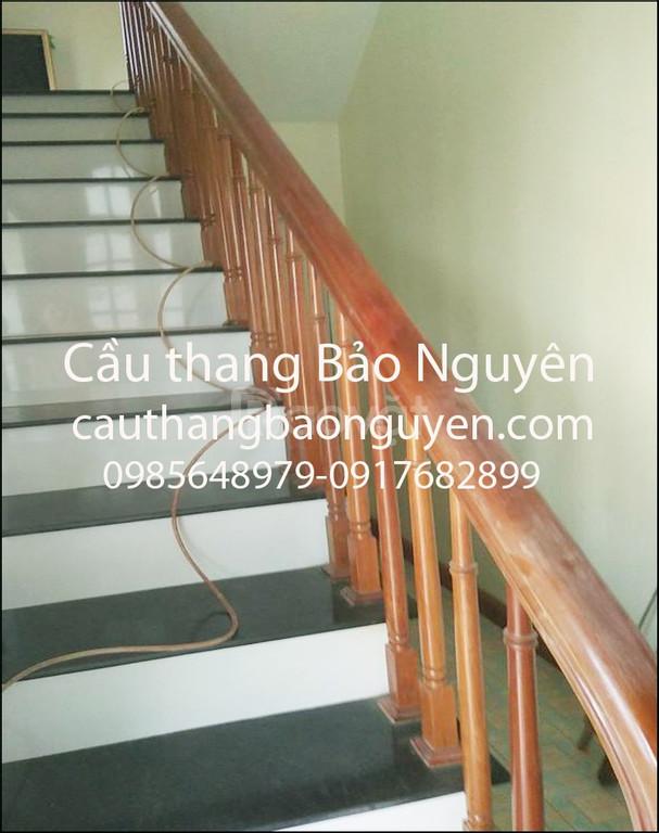 Bán con tiện trụ cầu thang tay vịn gỗ lim nam phi tại Hà Nội