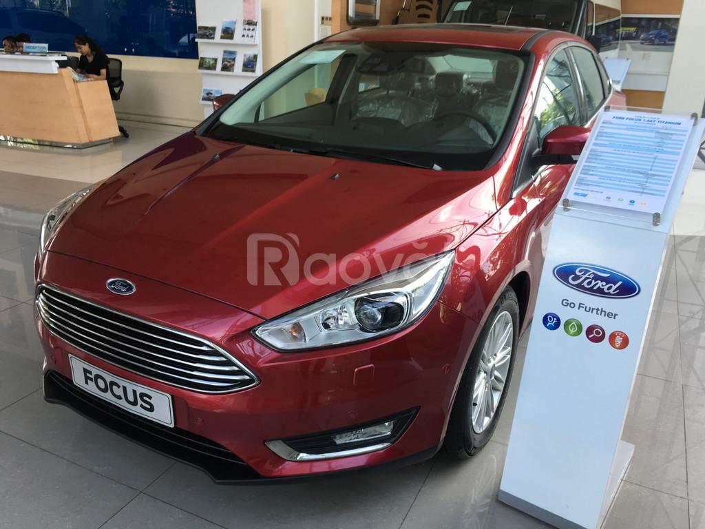 Ford Focus giá tốt, giá niêm yết 770tr