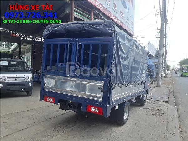Xe tải JAC 1t25 thùng kín mở cửa hông dài 3m2.