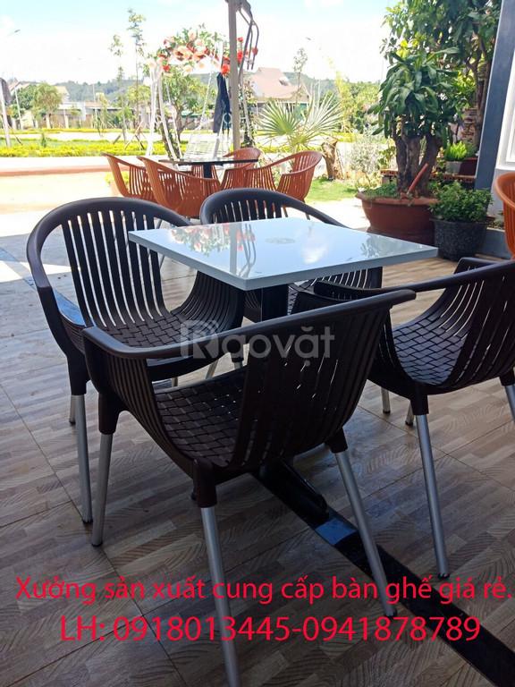 Bàn ghế cafe sân vườn xưởng sản xuất cung cấp giá rẻ.