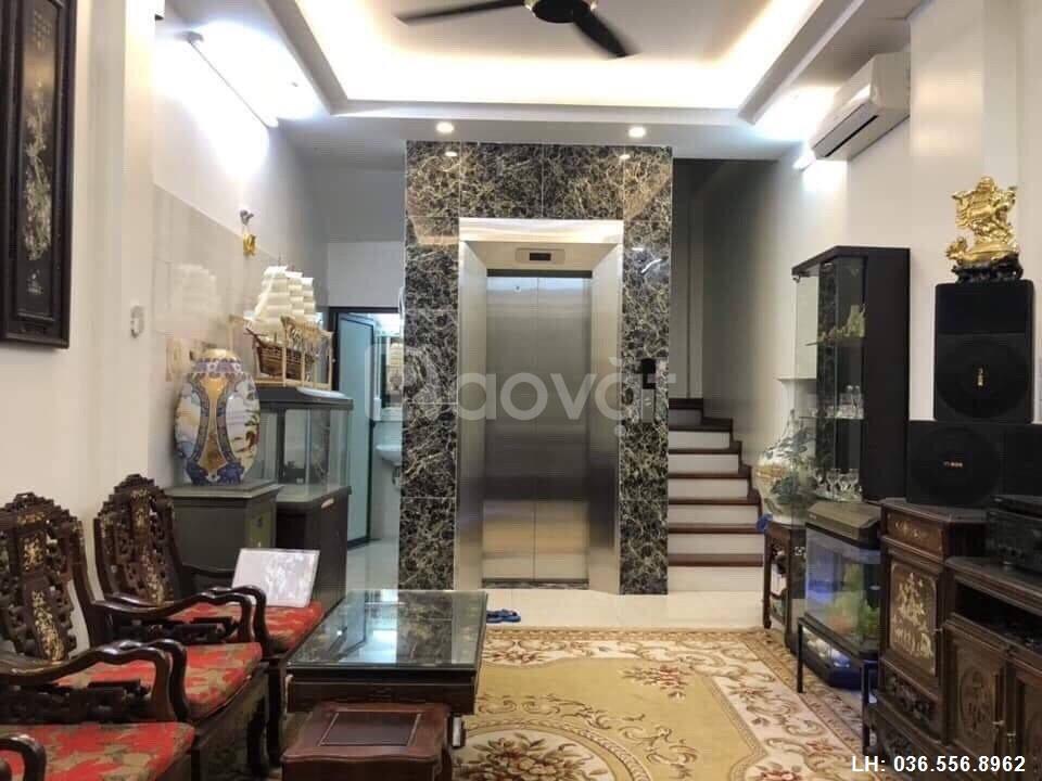 Nhà 6 tầng, thang máy đẹp ngõ 127 Hào Nam, 7/2019