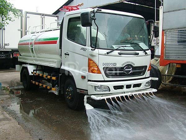 Chuyên cho thuê xe tưới rửa đường, tưới cây- bán nước sạch sinh hoạt
