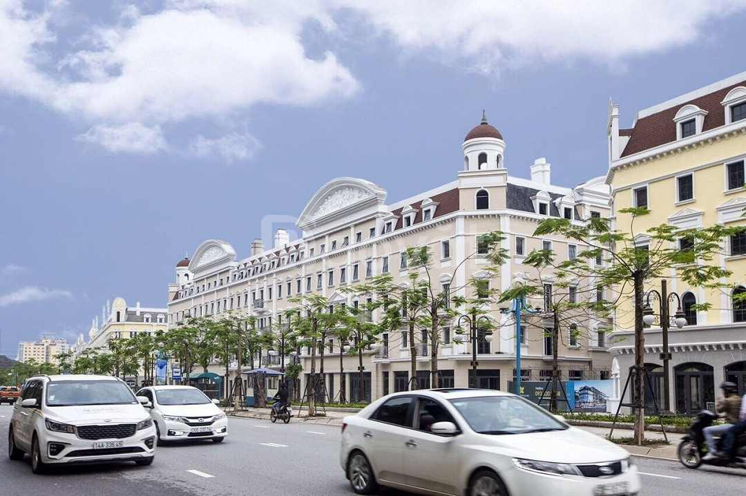 Khách sạn Bãi Cháy Hạ Long- xây 16 phòng