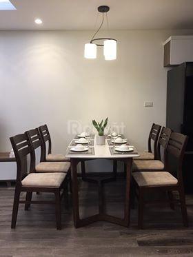 Cho thuê căn hộ cao cấp Đê La Thành Đống Đa phòng tiêu chuẩn 3 sao.