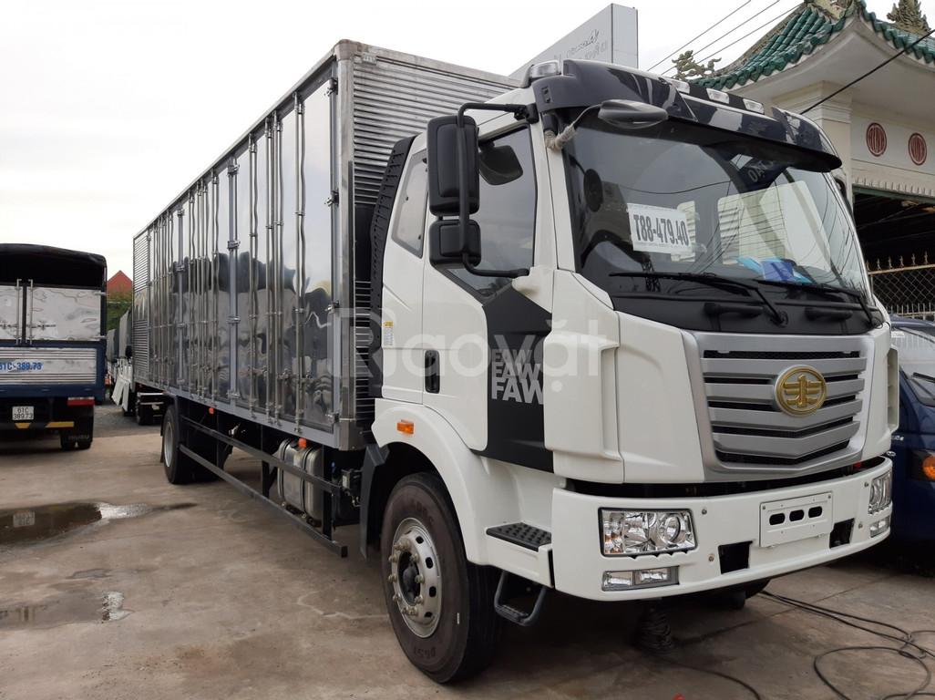 Xe tải Faw 6 tấn 8 thùng kín thùng dài 9.7m