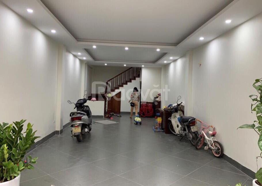 Cần bán gấp nhà Vũ Hữu- Thanh Xuân, gara ô tô giá chỉ 8,8 tỷ.