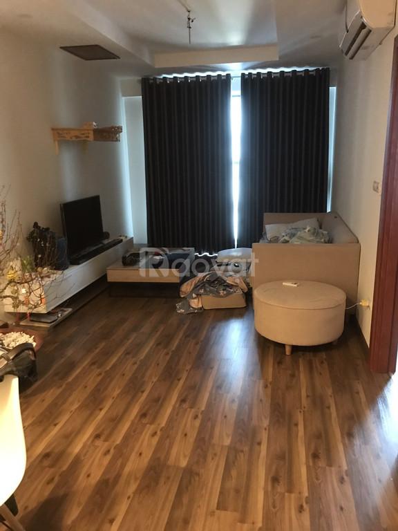 Cần bán căn 2 ngủ, 83m2, full nội thất giá tốt nhất 136 Hồ Tùng Mậu