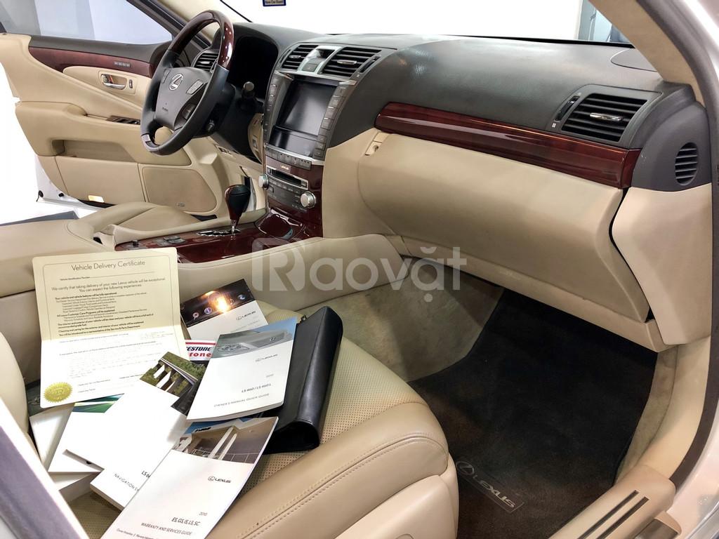 Cần bán Lexus LS 460L sx 2010 màu trắng nội thất kem