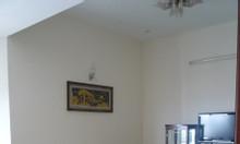 Bán căn hộ 90m2, 2PN, trung tâm quận 2, đã có sổ hồng.