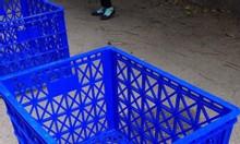 Thùng nhựa có bánh xe dùng trong ngành may mặc
