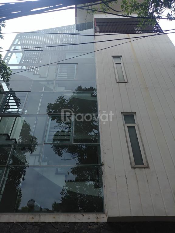 Bán biệt thự Quận Long Biên Lô góc 130m x4 tầng 2 mặt  ô tô tránh.