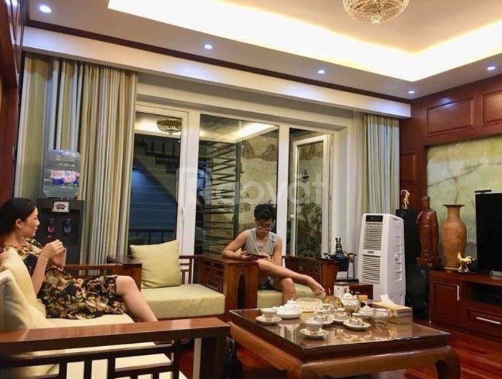 Bán gấp nhà gần Văn Miếu, Đống Đa 50m2, 5 tầng, giá 6,55 tỷ