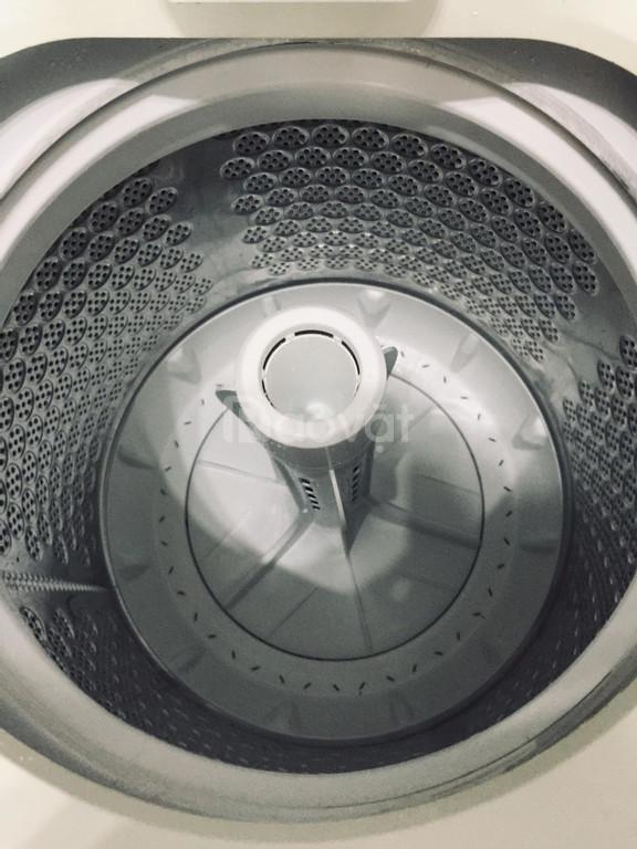 Bán máy giặt electrolux cửa trên