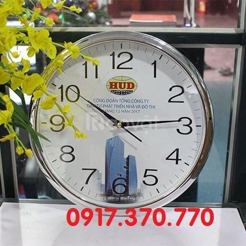 Xưởng sản xuất đồng hồ treo tường, in đồng hồ treo tường theo yêu cầu