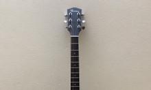 Guitar gỗ thịt 2tr9 chưa sử dụng bán lại 1tr8