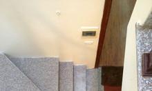 Bán nhà riêng phố Hoa Bằng, 32m2 x 5 tầng, nhà đẹp, ngõ thông rộng.