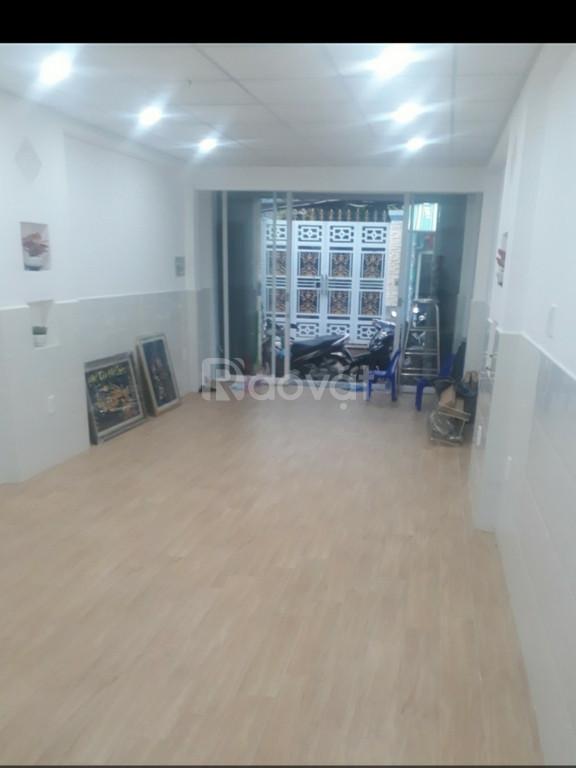 Cho thuê nhà mới xây, mặt tiền đường Yên Đỗ, sau lưng chợ Bà Chiểu