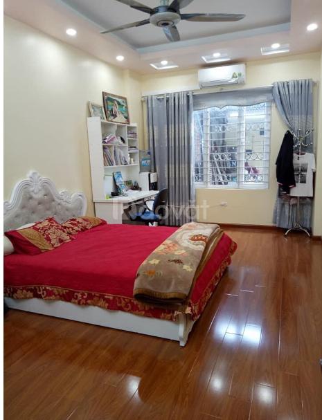 Chính chủ cần bán gấp nhà DT 50m2 X 3 tầng, 3 phòng ngủ