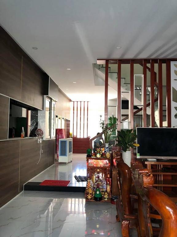 Bán căn nhà 4 tầng nội thất cao cấp ngay trung tâm Đà Nẵng, giá tốt