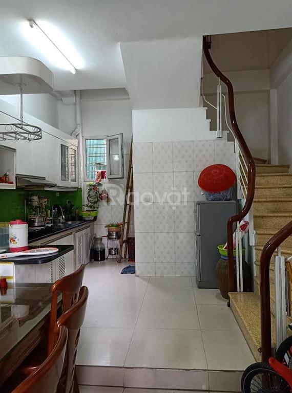 Bán nhà riêng 30m2 phố Đặng Văn Ngữ, gần phố về ở ngay giá 2.7 tỷ.