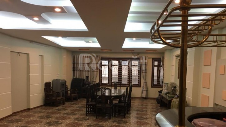 Bán nhà 7 tầng mặt phố Nguyên Hồng 80 m2, mặt tiền 5m.