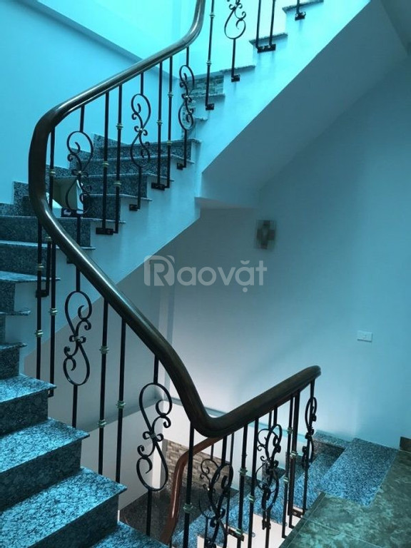 Cầu thang sắt đẹp giá rẻ
