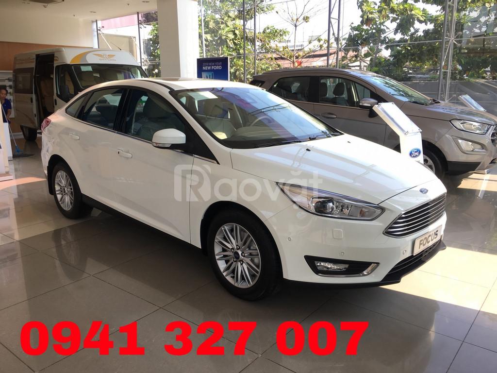 Ford Focus KM Tiền mặt+phụ kiện