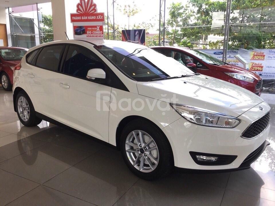 Ford Focus, tặng ngay bộ combo phụ kiện giá trị