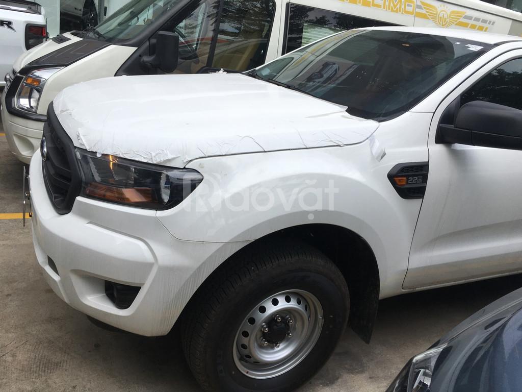 Ford Ranger 2 cầu số sàn, nhập khẩu Thái Lan, KM khủng