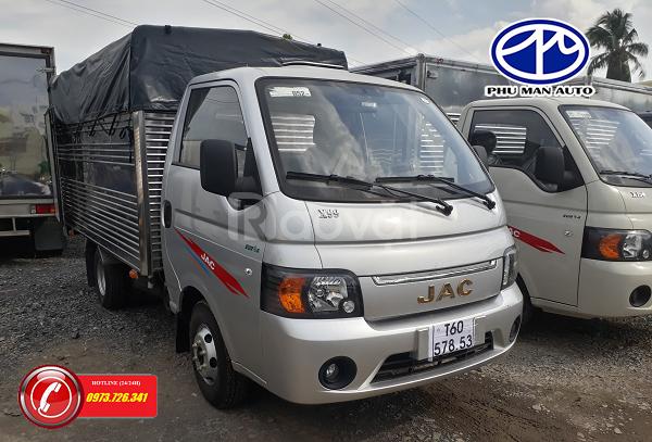Xe tải JAC 990kg máy dầu thùng dài 3m2, giá mềm.