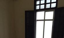 Bán nhà riêng 3 tầng có sân cổng riêng, ngõ phố Trung Liệt, Đống Đa 4.