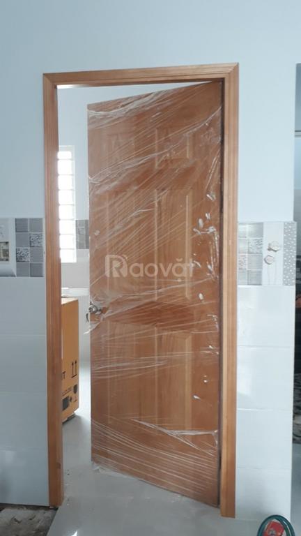 Chuyên cung cấp cửa gỗ công nghiệp giá rẻ cho công trình