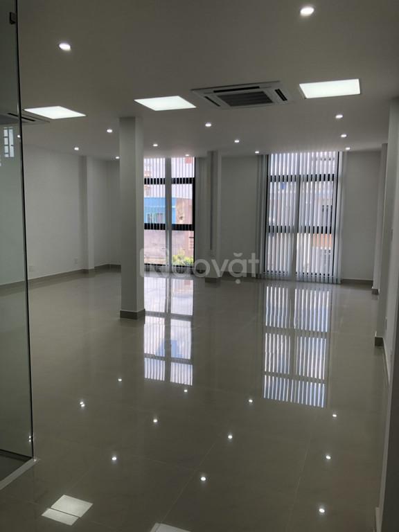 Cho thuê văn phòng giá rẻ đường Bùi Thị Xuân gần công viên HVT