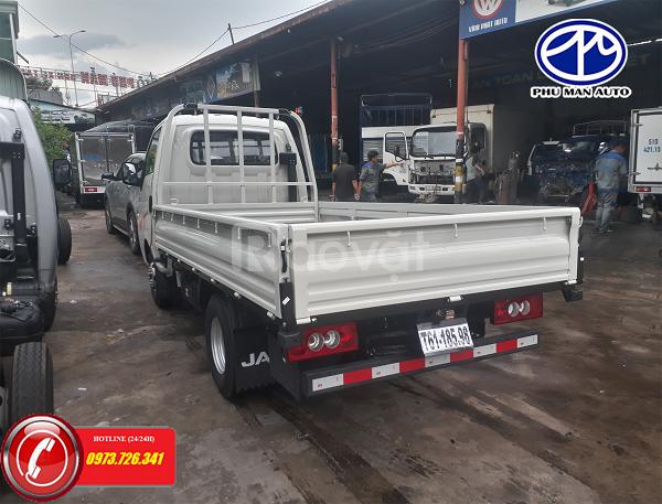 Xe tải 1 tấn máy dầu JAC X99 thùng dài 3m2 giá mềm.