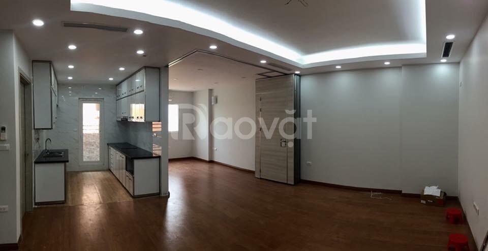 Tôi đang cần bán gấp căn hộ tai KĐT Nghĩa Đô, 106 Hoàng Quốc Việt