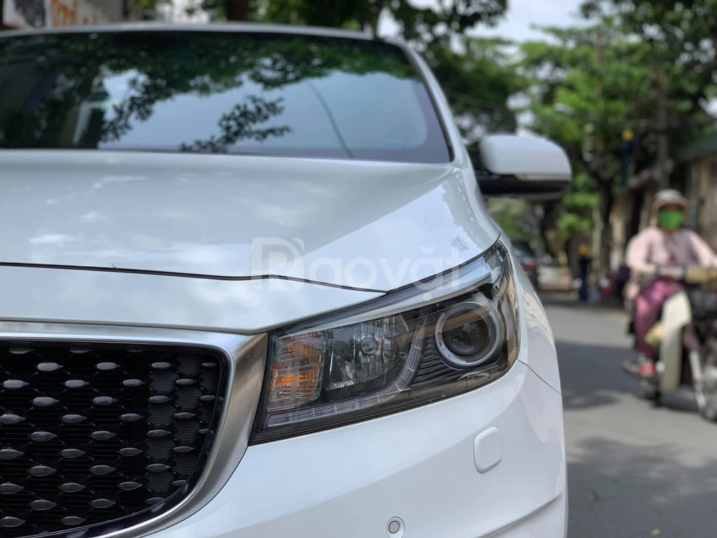 Bán KIA Sedona 3.3 GATH màu trắng sản xuất 2016 odo 40000