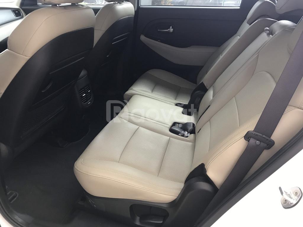 Kia Rondo Deluxe - nhận xe ngay với 187 triệu, hỗ trợ vay LS thấp