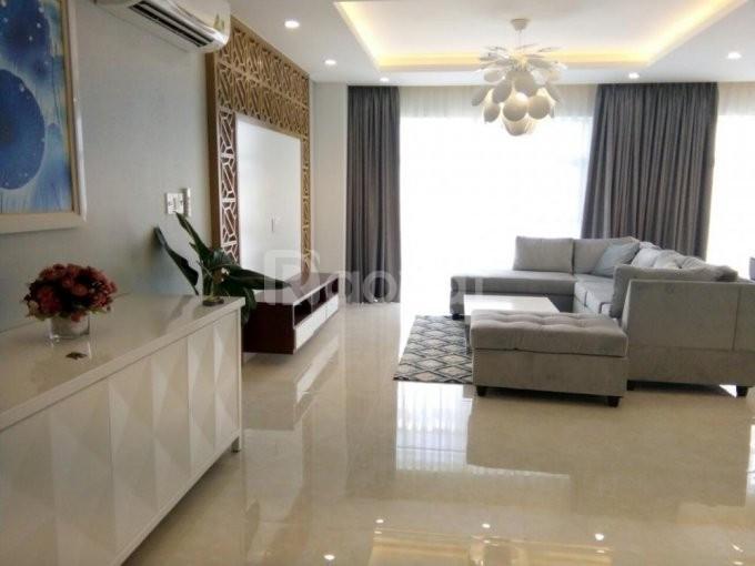 Bán chung cư 60 Hoàng Quốc Việt, 117m2, giá rẻ tháng 7 âm, tầng 18.