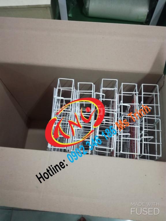 Vỉ treo quảng cáo, hanger quảng cáo, vỉ treo trưng bày sản phẩm (ảnh 1)