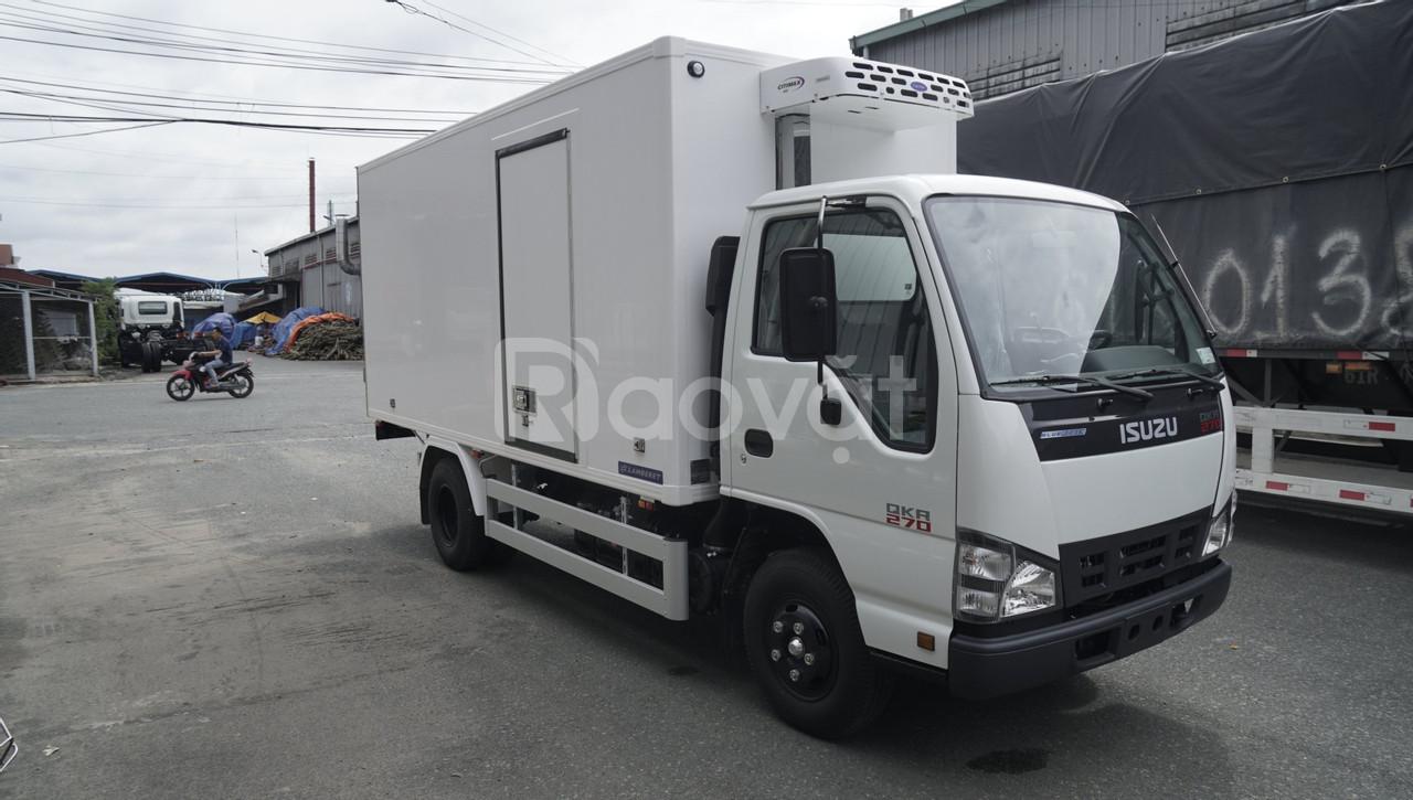 Xe tải isuzu QKR77FE4 thùng đông lạnh tải 1t9, xe tải isuzu đông lạnh