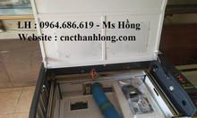 Máy cắt laser 6090 cắt mica, máy laser 6090 cắt vải giá rẻ